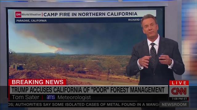 Incendi in California, in un minuto il meteorologo Cnn demolisce le fake news di Trump
