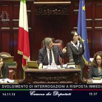 """Libertà di stampa, scontro Pd-Bonafede. Fico richiama deputati dem, contestato: """"Difende il governo"""""""