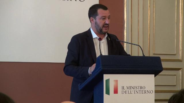 Salvini, emergenza rifiuti: