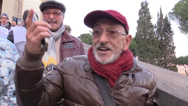 Roma, tra i supporter alla festa per la sindaca Raggi: ''I problemi della città? Un complotto''