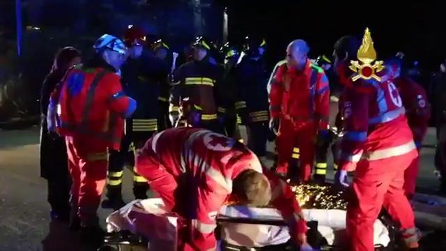 """Ancona, tragedia discoteca, testimone: """"Scena raccapricciante, ragazzi faticavano a respirare"""""""