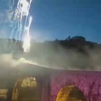 Santo Nicola, il ponte del diavolo illuminato dai fuochi d'artificio