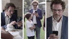 """""""Posa lo smartphone, papà"""": il Milanese Imbruttito nella campagna contro gli adulti troppo """"connessi"""""""
