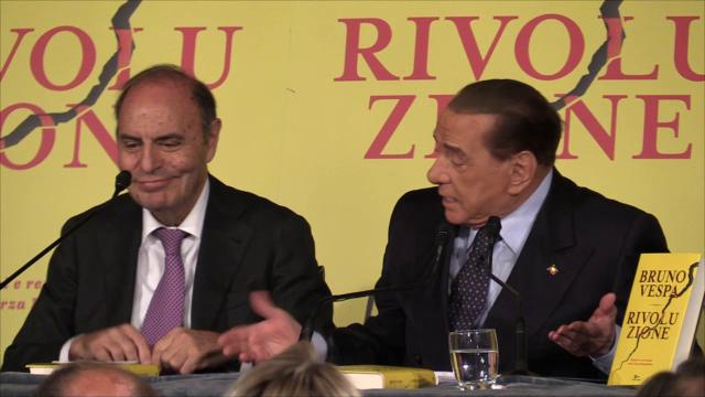 """Roma, Berlusconi: """"I miei delfini? Ogni volta si sono rivelati sardine"""""""