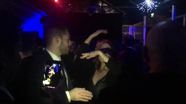 Festa in discoteca per parlamentari M5S: scatenati sulle note dei tormentoni anni Novanta