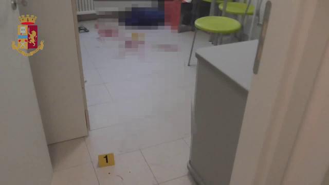 Parma, sequestrato per un giro di droga: polizia entra nella stanza del pestaggio