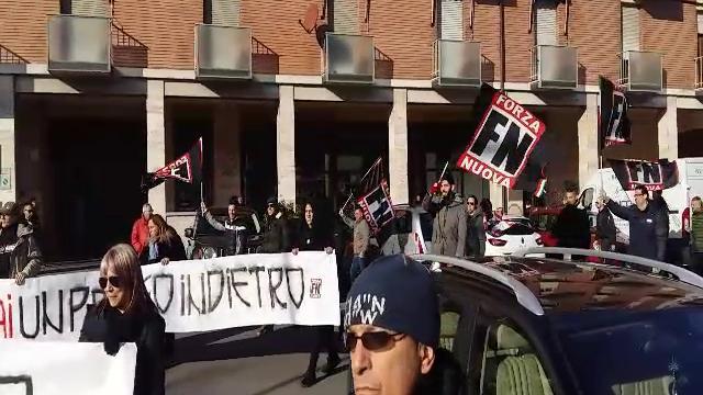 Corteo fascista a Bologna al grido di