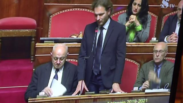Manovra caos al senato pd abbandona la commissione for Commissione bilancio camera