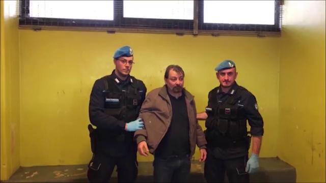 Penalisti in rivolta contro il ministro Bonafede: esposto per video su Battisti