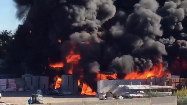Risultati immagini per Galatina (Lecce), incendio in un deposito industriale: colonna di fumo nero si alza in cielo