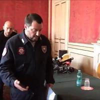 Salvini: «Dimezzati gli sbarchi di migranti in Sardegna. Nell'isola è emergenza disoccupazione»