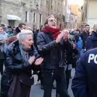 Salvini ad Alghero, contestazione sulle note di Bella Ciao