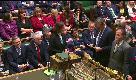 Il parlamento vota la fiducia a Theresa May: Jeremy Corbyn resta impassibile