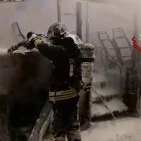 Bus va a fuoco nel Bolognese: salvi i 10 passeggeri e l'autista