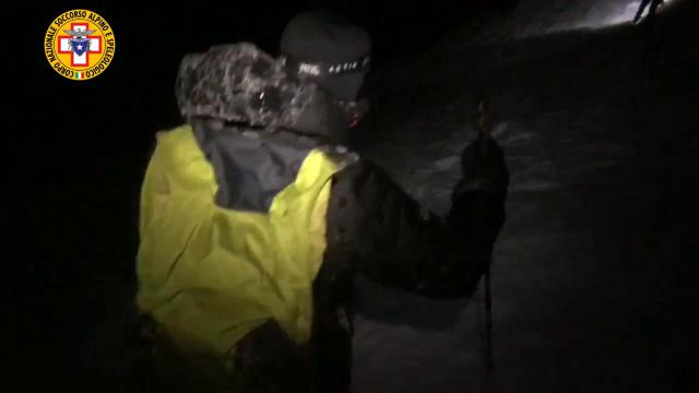Cogne, salvati nella notte sulla cascata di ghiaccio: il video del Soccorso alpino