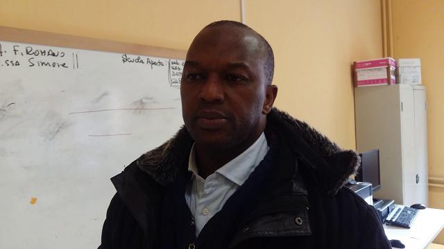 """L'assistente Abdou: """"Ho liberato la scuola su ordine del preside"""""""