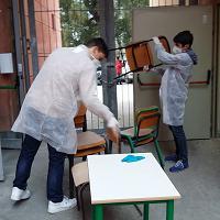 Ipsar Matteotti devastato: gli studenti ripuliscono le aule