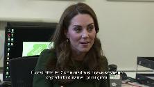 """""""È così difficile essere genitori"""": lo sfogo di Kate nell'associazione di madri single di Londra"""
