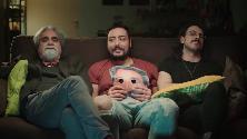 I The Jackal sul divano con Vessicchio: dieci scuse per non vedere Sanremo