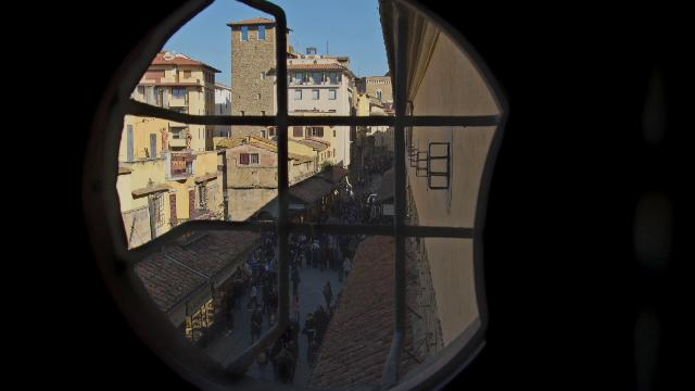 Lungo Il Corridoio In Inglese : Firenze il corridoio vasariano riaprirà nel schmidt