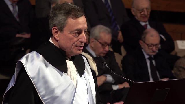 """Ue, Draghi avverte l'Italia: """"Senza Euro avremmo un crollo del 7% del Pil"""""""