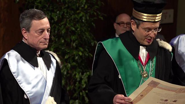 Bologna, Mario Draghi riceve la laurea ad honorem in Giurisprudenza