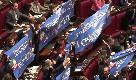 Legittima difesa, Camera approva: applausi e striscioni in Aula, Fico sospende la seduta