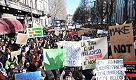 """Clima, a Torino 20mila studenti in marcia: """"Vogliamo un futuro e non abbiamo più tempo"""""""