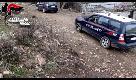 Ha una bomba in auto, scappa dai carabinieri ma viene arrestato