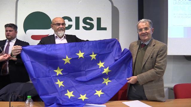 "Prodi sventola la bandiera europea: ""Unica sopravvivenza"""