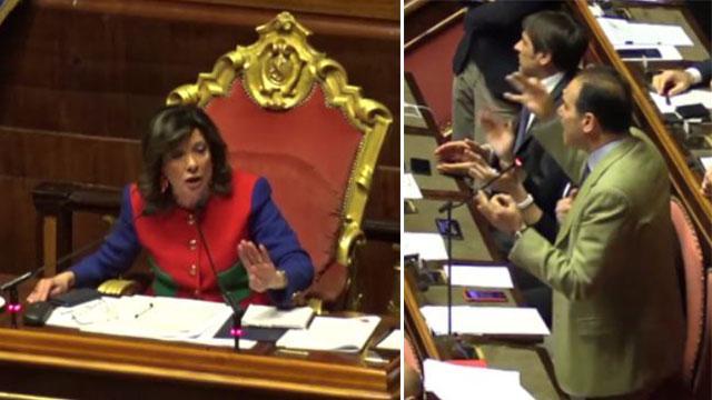 """Sfiducia a Toninelli, scontro in aula tra Marcucci e Casellati: """"Ci interrompe sempre, ci tortura"""""""