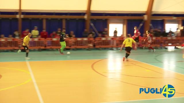 Calcio a 5, il portiere fa il bis: il gol dopo aver attraversato tutto il campo col pallone