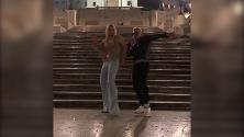 """Hunziker, il ballo con Vacchi sulla scalinata di Piazza di Spagna è virale: """"È più bravo di me"""""""