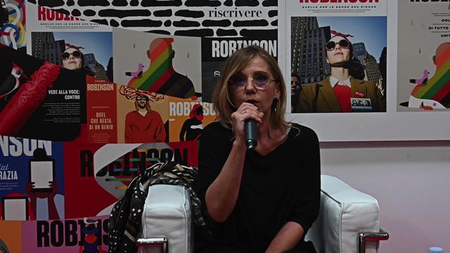 """Salone del libro, Concita De Gregorio: """"Non è folklore: è ora di fare qualcosa contro il fascismo"""""""