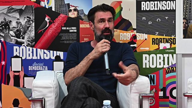"""Salone del libro, Fabrizio Gifuni: """"Il morbo del populismo è entrato anche nel lavoro dell'attore"""""""
