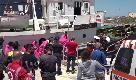 Mare Jonio, applausi a Lampedusa per lo sbarco dei migranti: nave sequestrata