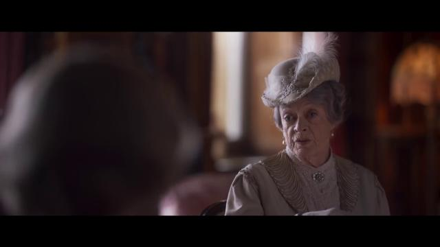 'Downton Abbey', pranzo reale per la famiglia Crawley - trailer