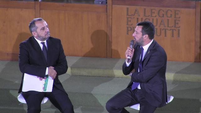 """Commemorazione Falcone, Salvini all'aula bunker: """"Prego per gli agenti della scorta"""""""