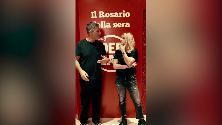 """Fiorello saluta il """"Rosario della sera"""", un video pieno di star"""