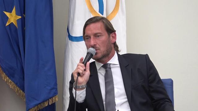 """La Roma risponde a Totti: """"La sua percezione dei fatti è lontana dalla realtà"""""""
