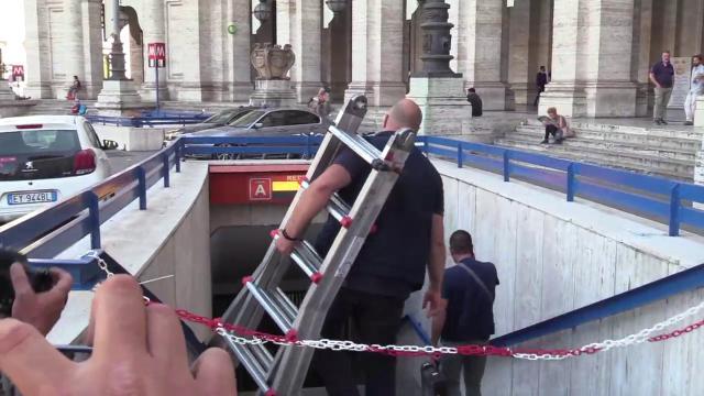 Metro Repubblica, la riapertura slitta di un giorno: