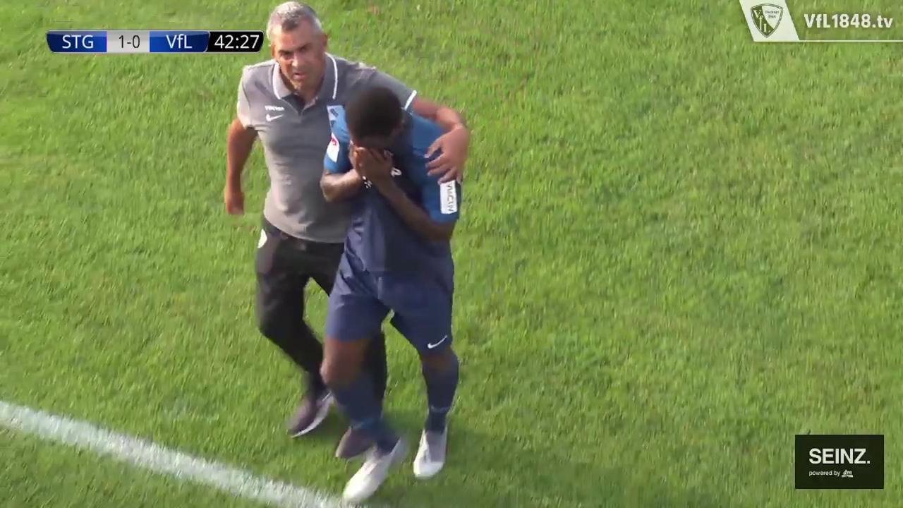 """Risultati immagini per """"Insulti razzisti da un avversario"""": calciatore esce dal campo in lacrime, partita sospesa in Svizzera"""