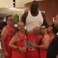 Shaquille O' Neill, il gigante leggenda del basket con i ragazzi speciali dell'Olimpia Carbonia