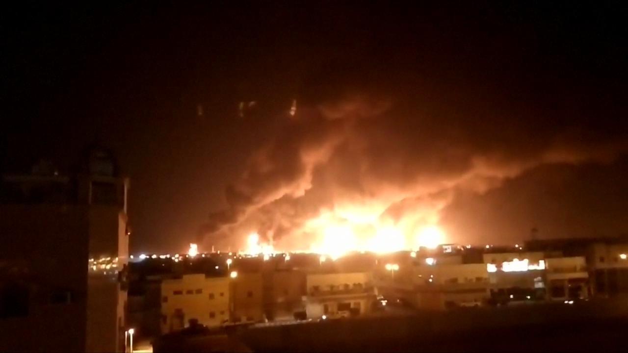 Attacco yemenita al petrolio dell'Arabia Saudita: bombardato