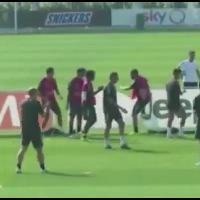 Juventus, in allenamento si gioca a torello: Higuain perde e si infuria