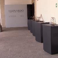 Palermo, un'installazione sulle macchine di Leonardo
