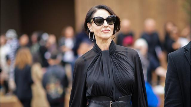 Monica Bellucci compie 55 anni e si regala un nuovo taglio di capelli e (forse) un nuovo amore