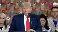 """Texas, Donald Trump inaugura lo stabilimento di Louis Vuitton ma per lui è """"Vuttan"""""""