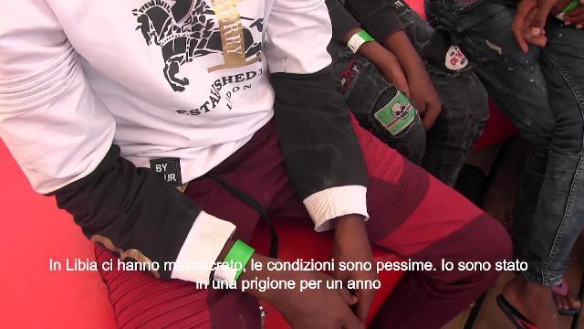 """Lampedusa, i racconti dei migranti soccorsi dalla Open Arms: """"Ecco i segni delle torture"""""""