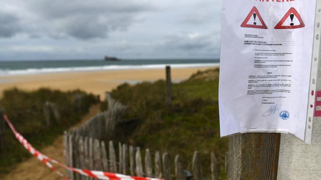 """""""Chiuso per cocaina"""": il mistero dei pacchetti di droga sulle spiagge francesi"""